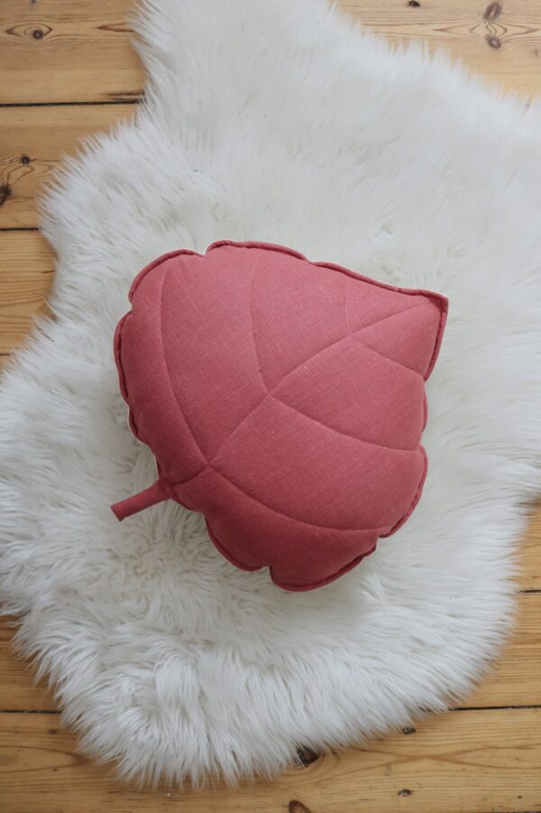 leaf cushion linen goji