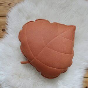 leaf cushion linen papaya look1