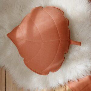 leaf cushion linen papaya look3