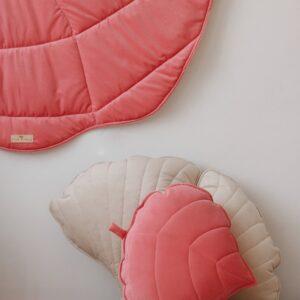 leaf cushion velvet candy pink look