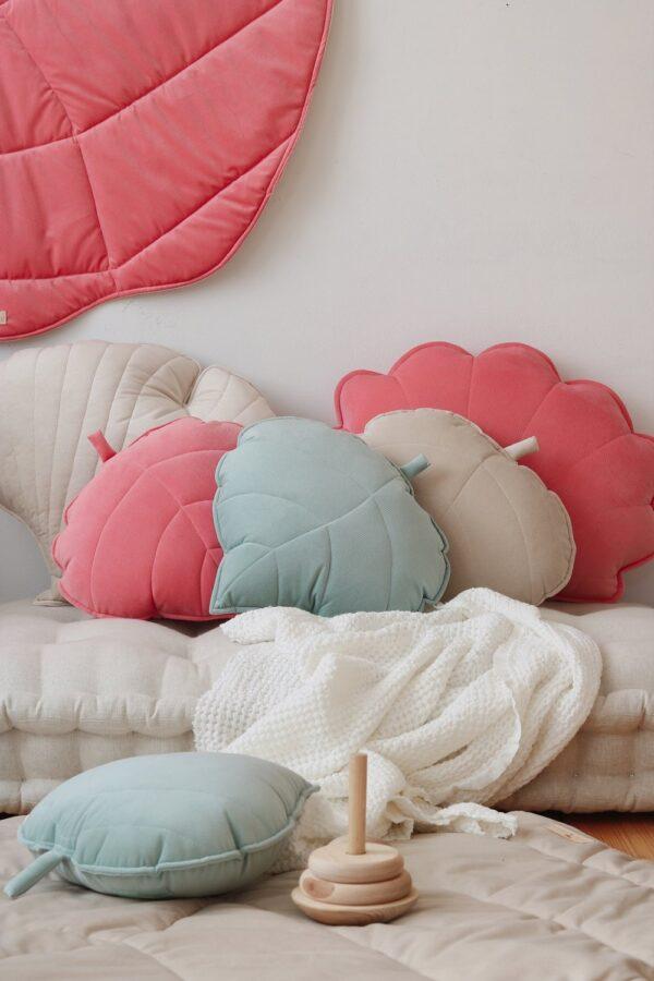 leaf cushion velvet candy pink look3