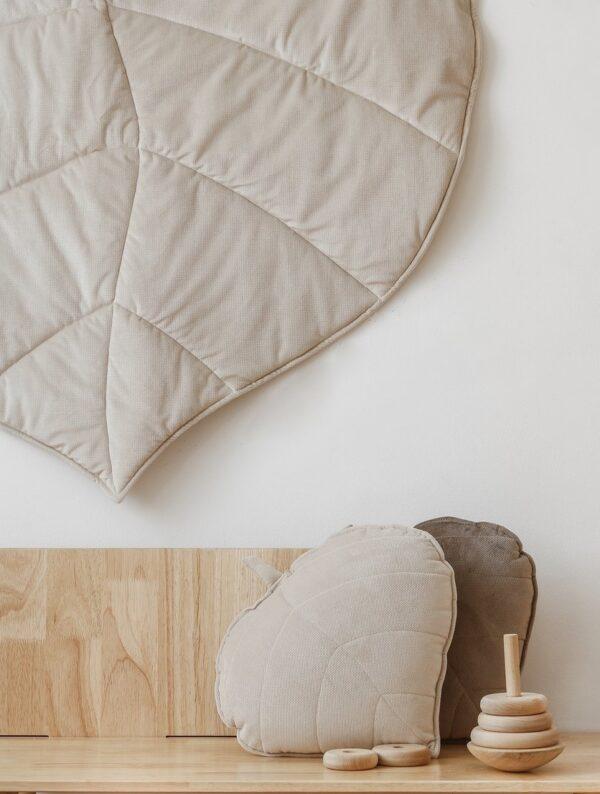 leaf cushion velvet cream look2