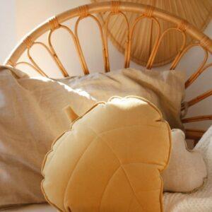 leaf cushion velvet honey