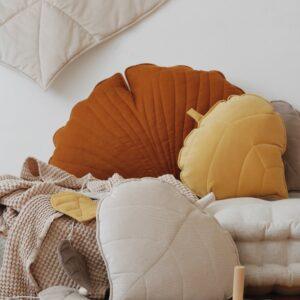 leaf cushion velvet honey look4