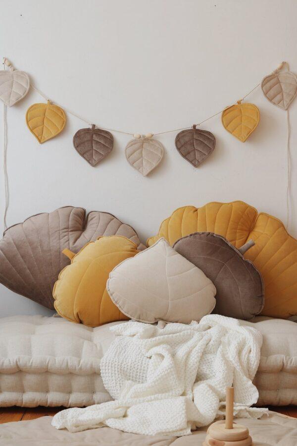 leaf cushion velvet honey look5