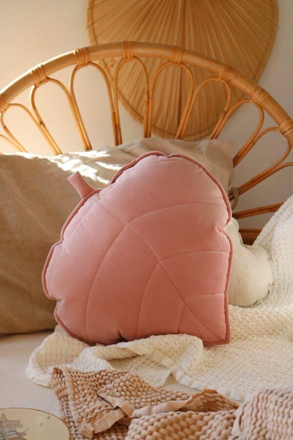leaf cushion velvet soft pink look