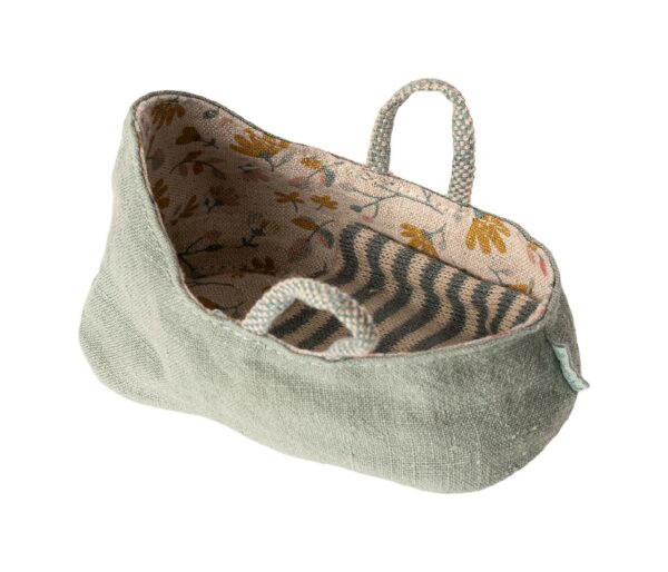 maileg carry cot dusty green mint look1