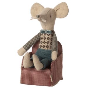 mouse chair toy red look