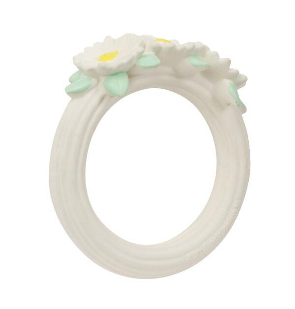 teething ring daisy chain look3